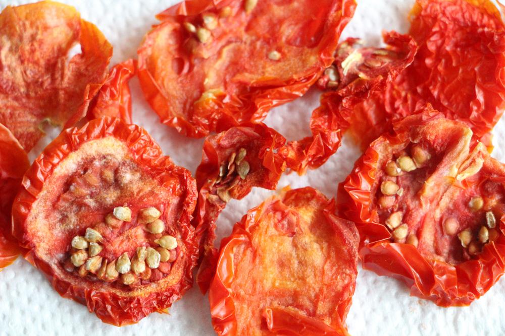 tomaten trocknen einfach zu hause haltbar machen. Black Bedroom Furniture Sets. Home Design Ideas
