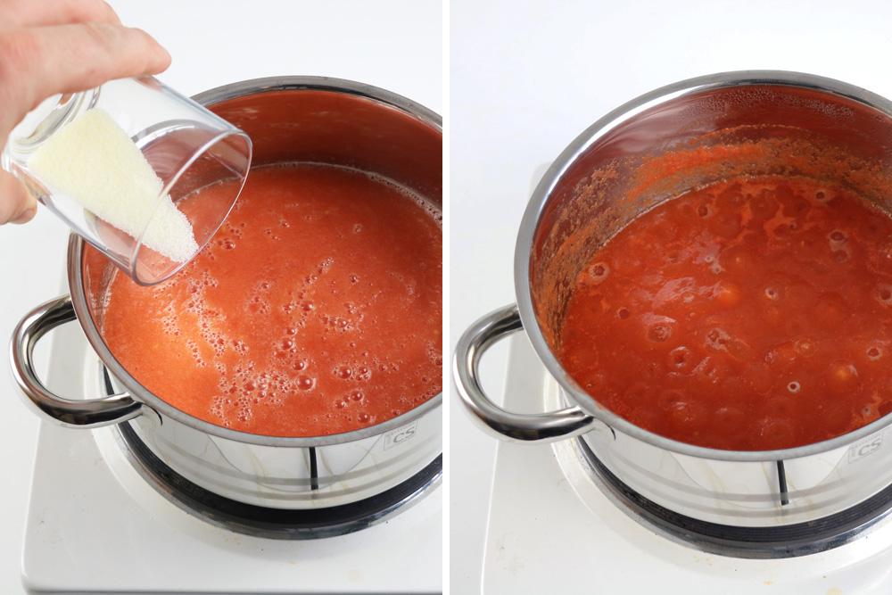 Tomatenmark würzen und eindicken